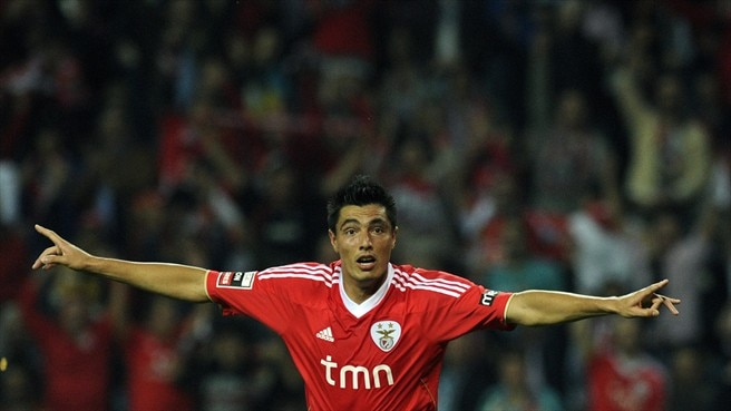 Cardozo conclui reviravolta do Benfica