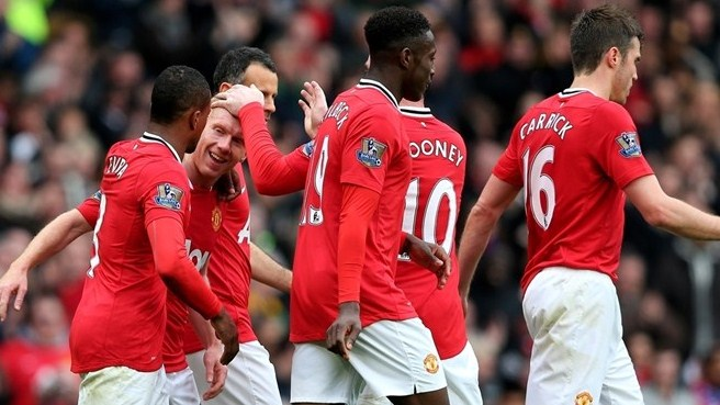 United foge no topo, Arsenal derrota City