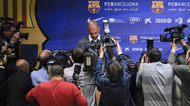 Guardiola anuncia saída do Barcelona