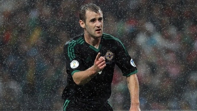 McGinn impressiona Irlanda do Norte